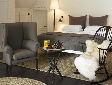 the-olde-main-inn_bedroom