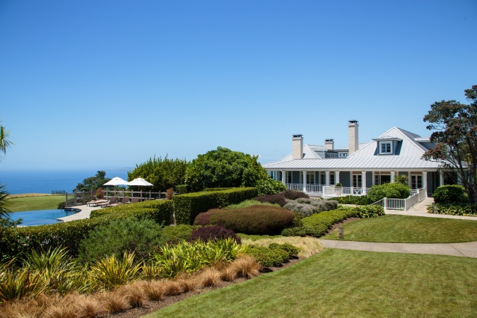 Kauri Cliffs lodge