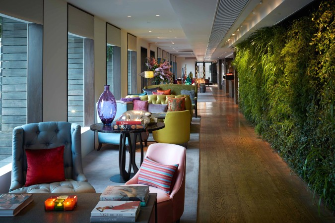SEVVA Lounge - Green Wall